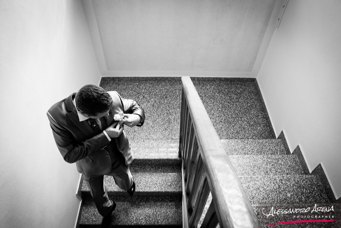 italian wedding photographer - Groom getting ready