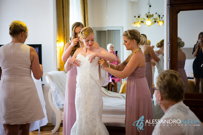 wedding in villa borghi - bride dress gettingready