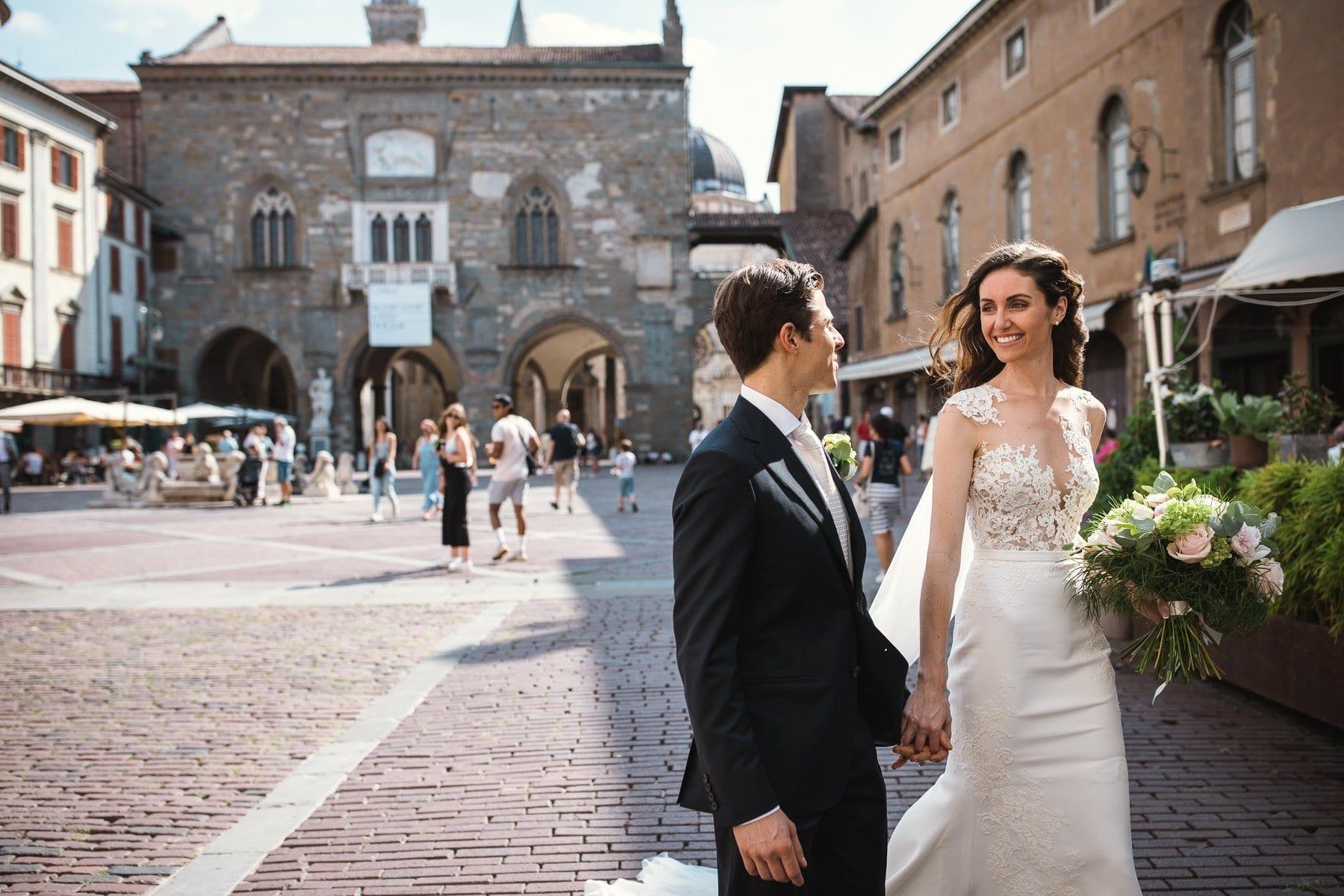 Fotografo matrimonio Bergamo - Piazza vecchia Bergamo