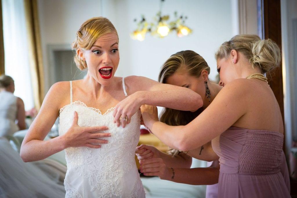 Sposa indossa l'abito