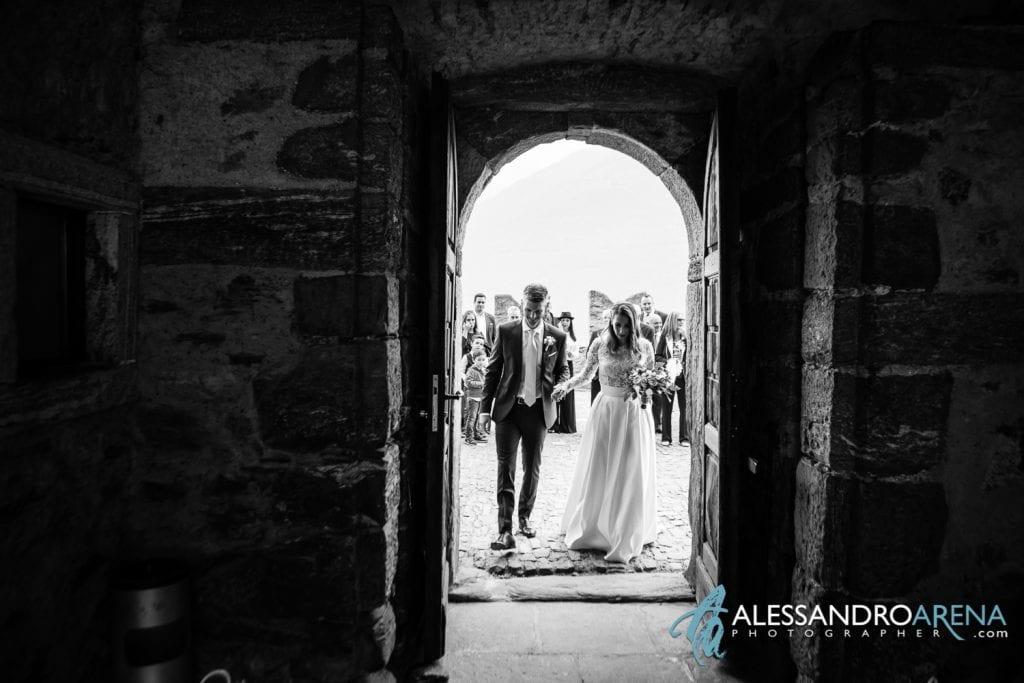 matrimonio castello Sasso Corbaro Bellinzona - Ingresso sposi