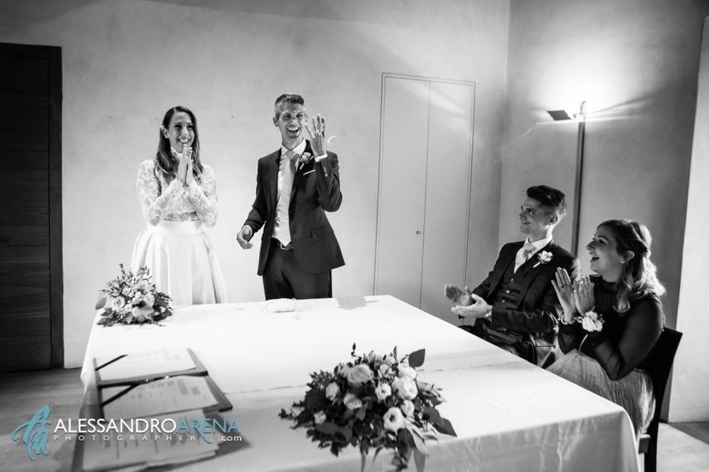 rito civile castello Sasso Corbaro Bellinzona - Sposi scambio degli anelli