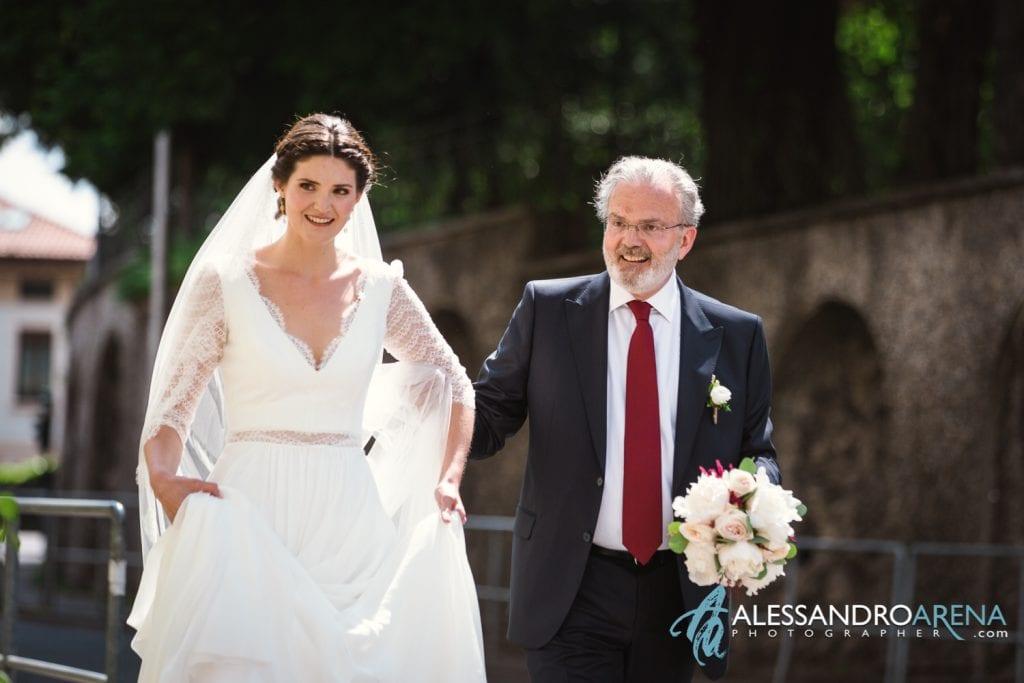 Arriva la sposa - Chiesa Sant'Antonio Abate alla Motta - Matrimonio a Varese - Alessandro Arena Fotografo-5