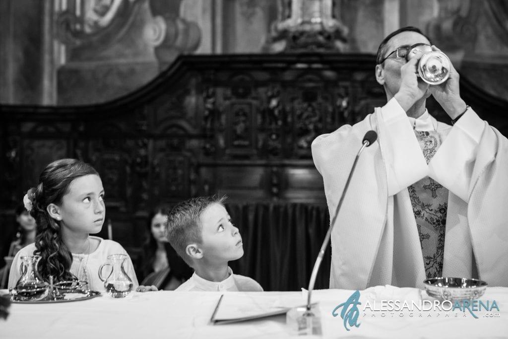 Bambini all'altare - Matrimonio Chiesa Sant'Antonio Abate alla Motta - Matrimonio a Varese - Alessandro Arena Fotografo