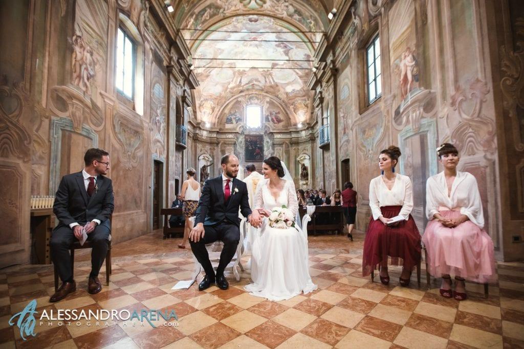 Sposi felici - Matrimonio Chiesa Sant'Antonio Abate alla Motta - Matrimonio a Varese - Alessandro Arena Fotografo