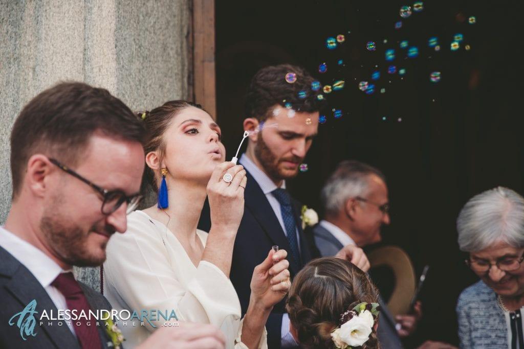 Bolle per gli sposi - Matrimonio a Varese - Chiesa Sant'Antonio Abate - Alessandro Arena Fotografo