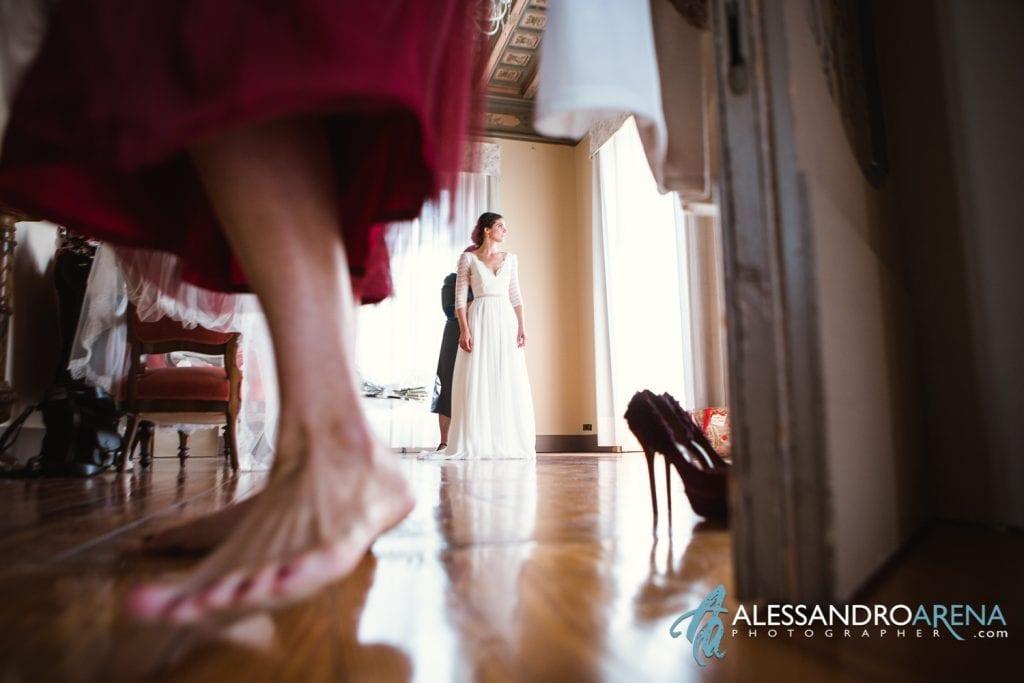 Abito sposa - Matrimonio a Varese Location Villa Esengrini Montalbano - Alessandro Arena Fotografo