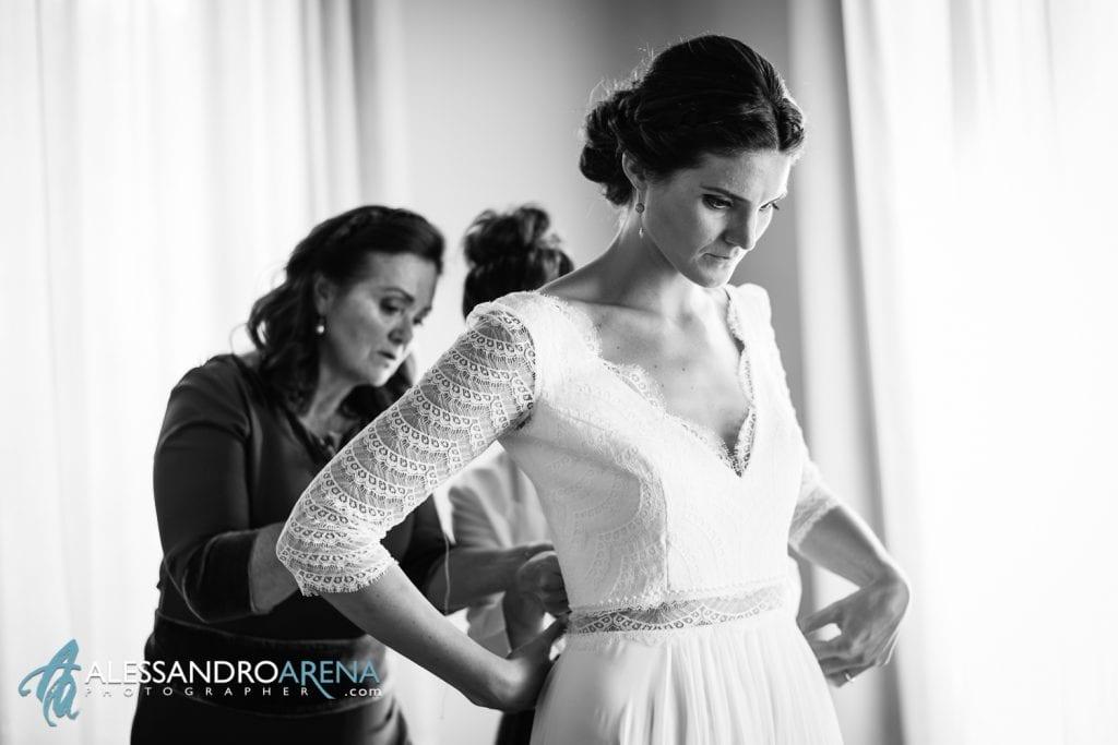 Sposa quasi pronta - Matrimonio a Varese Location Villa Esengrini Montalbano - Alessandro Arena Fotografo