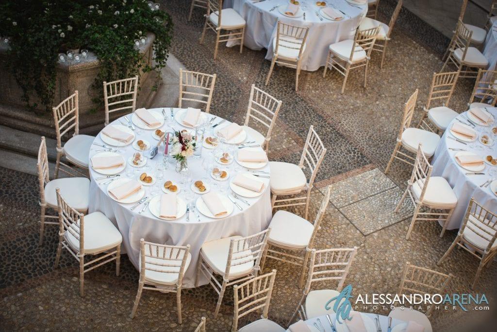 Sala dall'alto - Matrimonio a Villa Esengrini Montalbano Varese - Allestimenti Sala