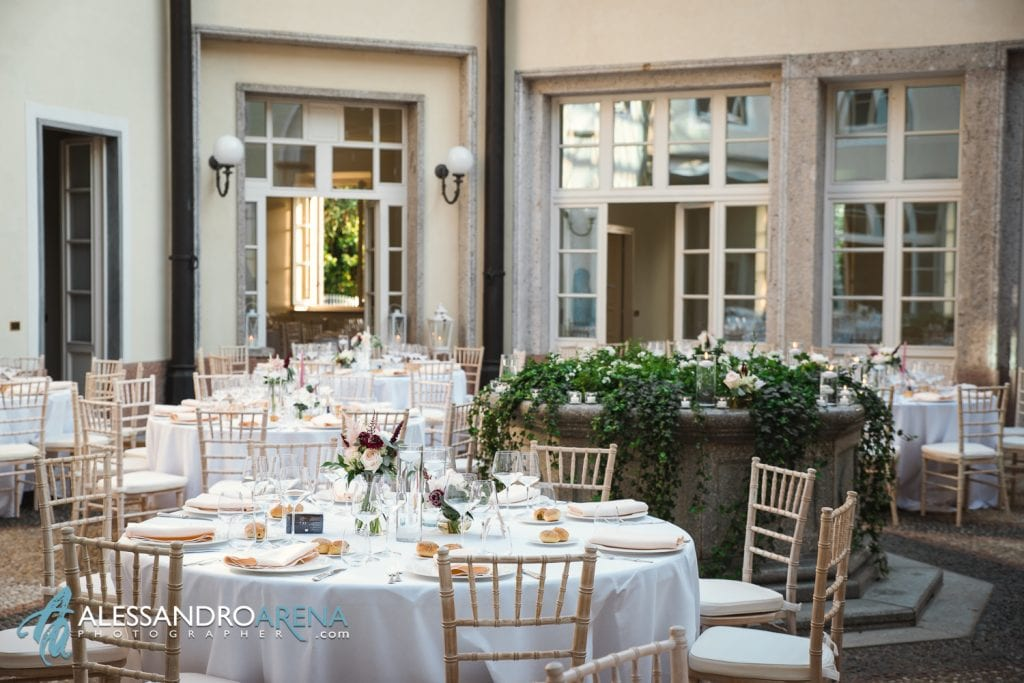 Sala - Matrimonio a Villa Esengrini Montalbano Varese - Allestimenti Sala - Alessandro Arena Fotografo
