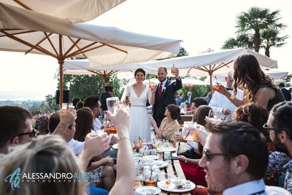 Brindisi con gli invitati - Matrimonio a Villa Montalbano Varese
