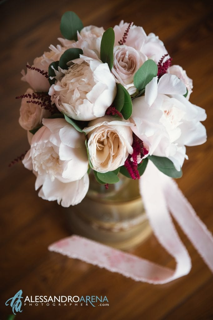 Bouquet della sposa - Preparativi sposa Matrimonio a Varese Location Villa Esengrini Montalbano