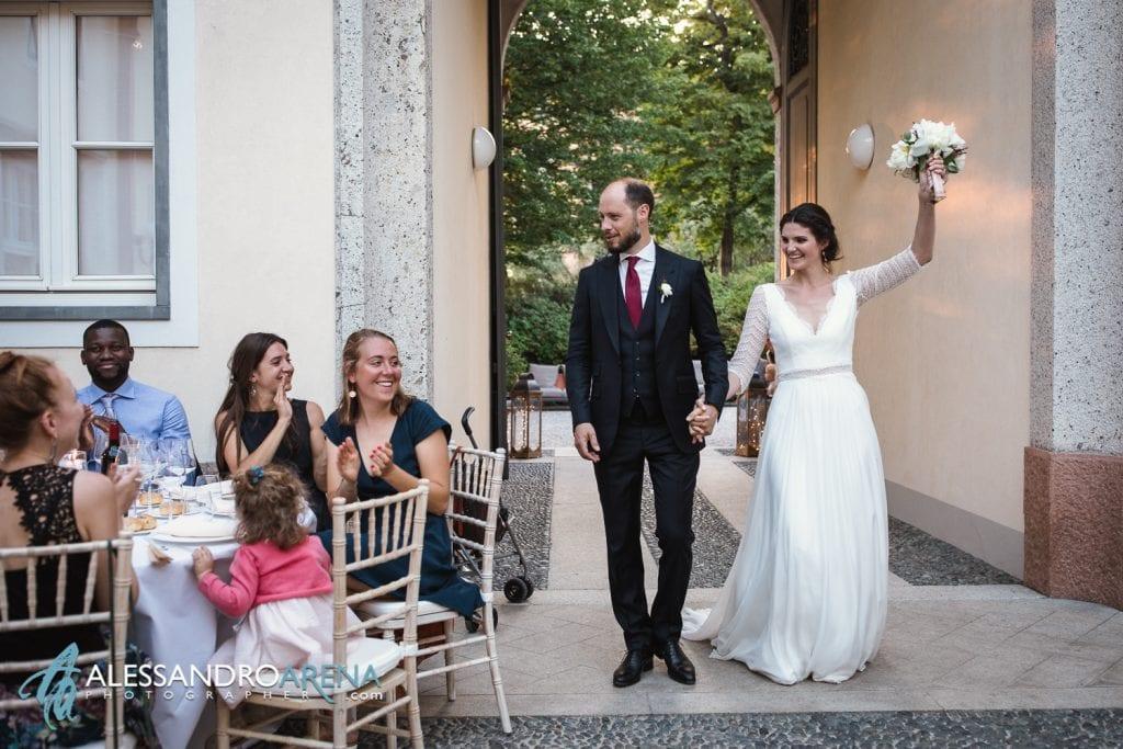 Ingresso Sposi a Villa Esengrini Montalbano Varese - Reportage - Alessandro Arena Fotografo