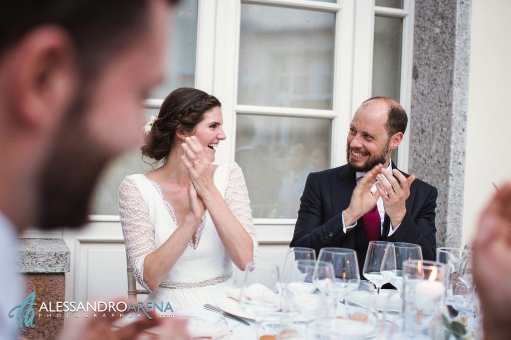 Sposi al tavolo a Villa Esengrini Montalbano Varese - Reportage - Alessandro Arena Fotografo