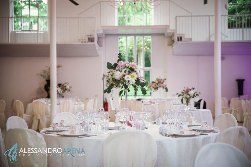 """Dettaglio floreale allestimento sala """"La Fabbrica"""" - Albergo ristorante La Madonnina Cantello matrimonio"""