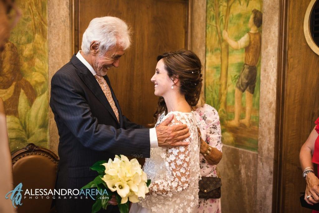 Auguri per gli sposi al terminine della cerimonia