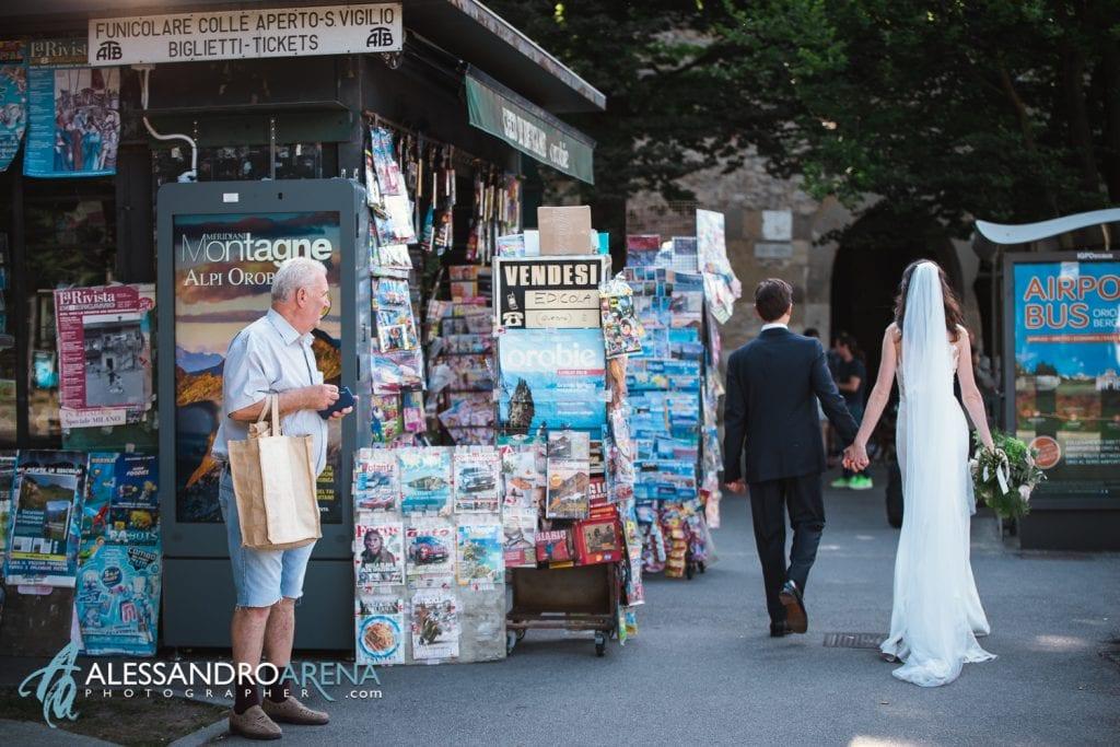 Sposi per le vie di Bergamo - Mura Città Alta