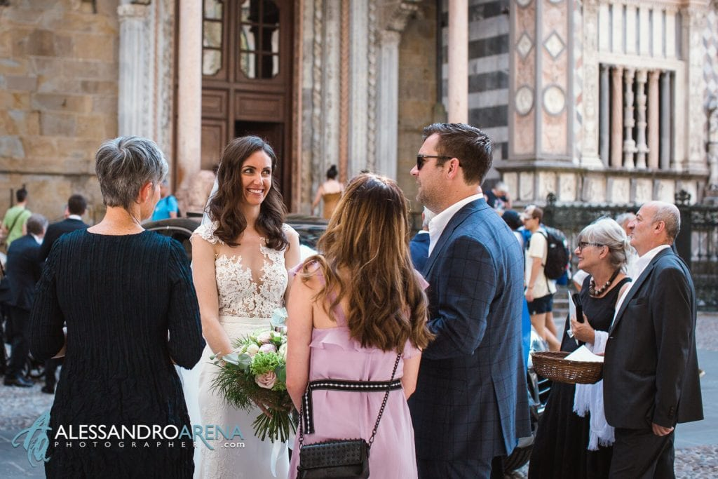 The bride and the guests - Destination Wedding Italy