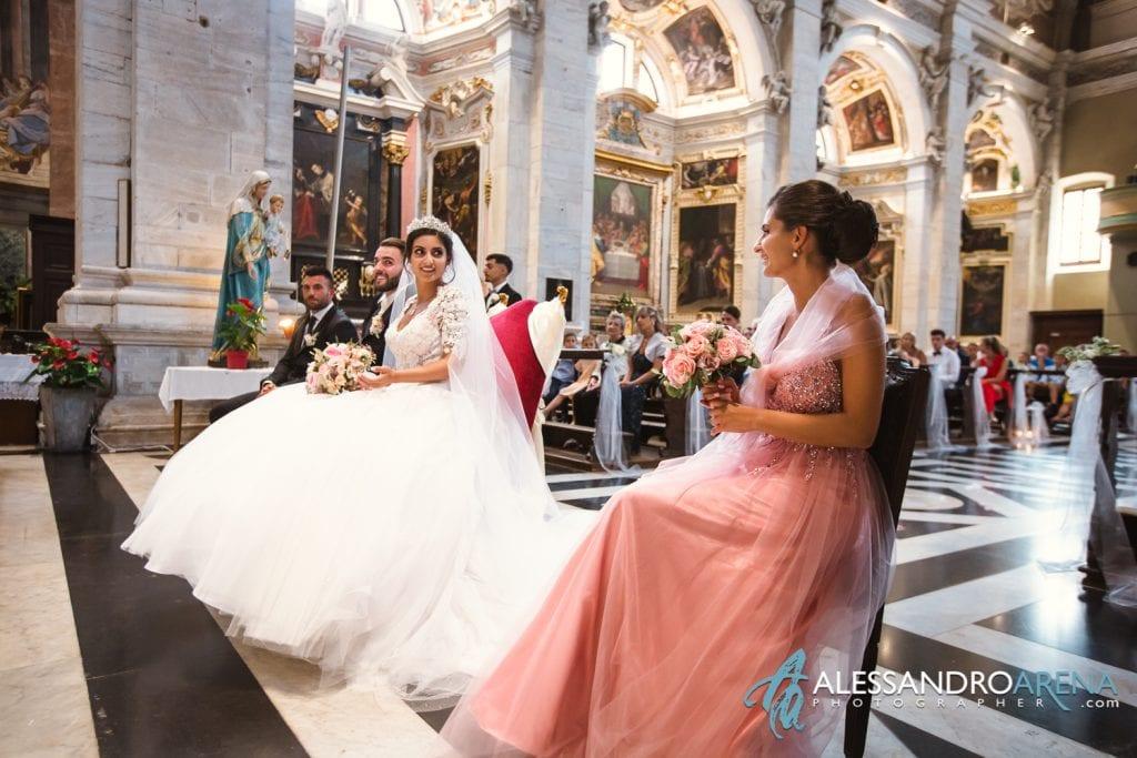 Sposa e la sorella testimone