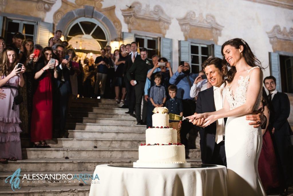 Taglio della Torta - Location-Matrimonio-Bergamo-Villa-Canton-12