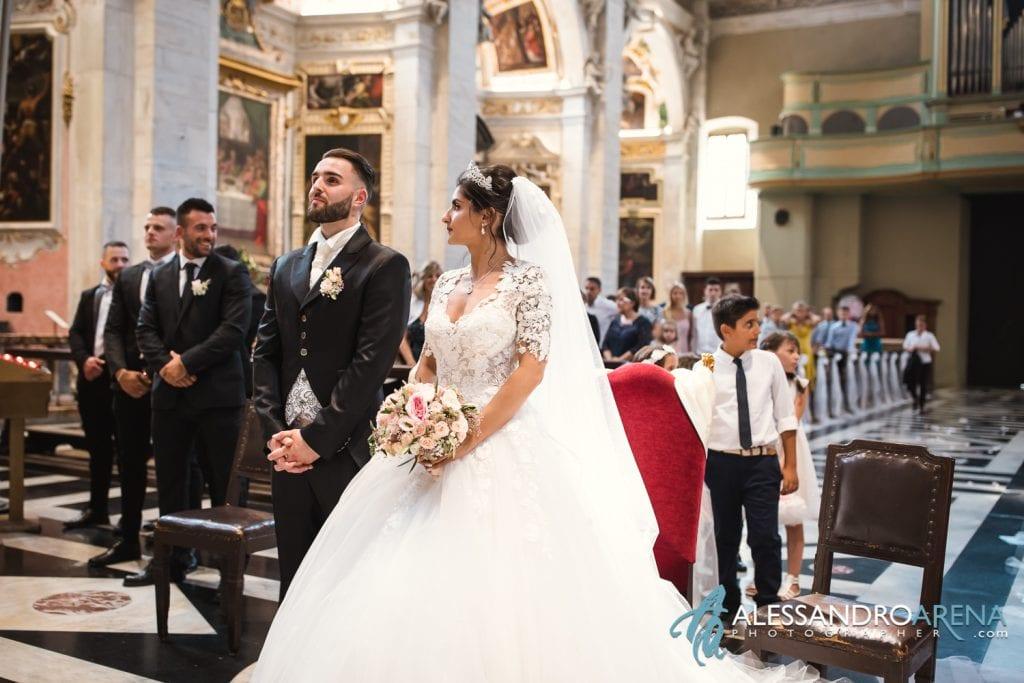 Matrimonio Chiesa Collegiata Bellinzona - Sposi sull'altare