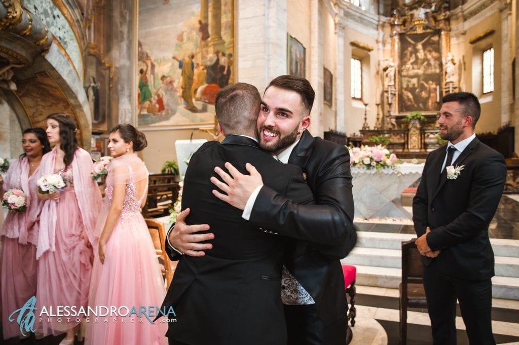 Primo sguardo dello sposo