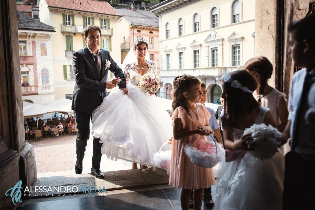 Matrimonio Chiesa Collegiata Bellinzona - Ingresso della sposa