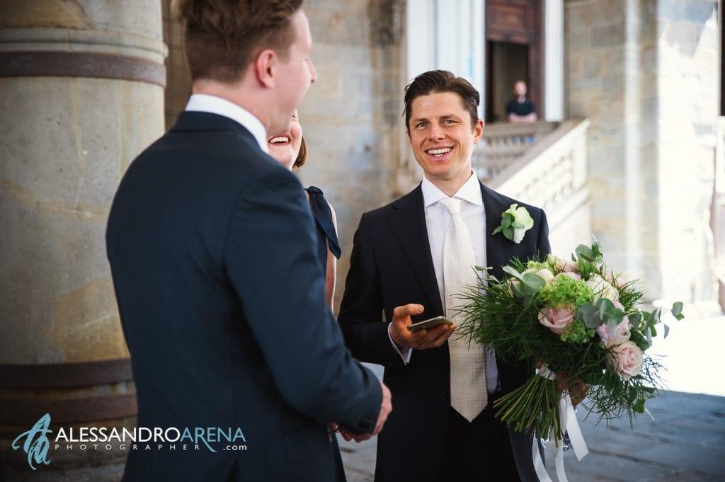 Matrimonio Città Alta Bergamo - Sposo attende la sposa