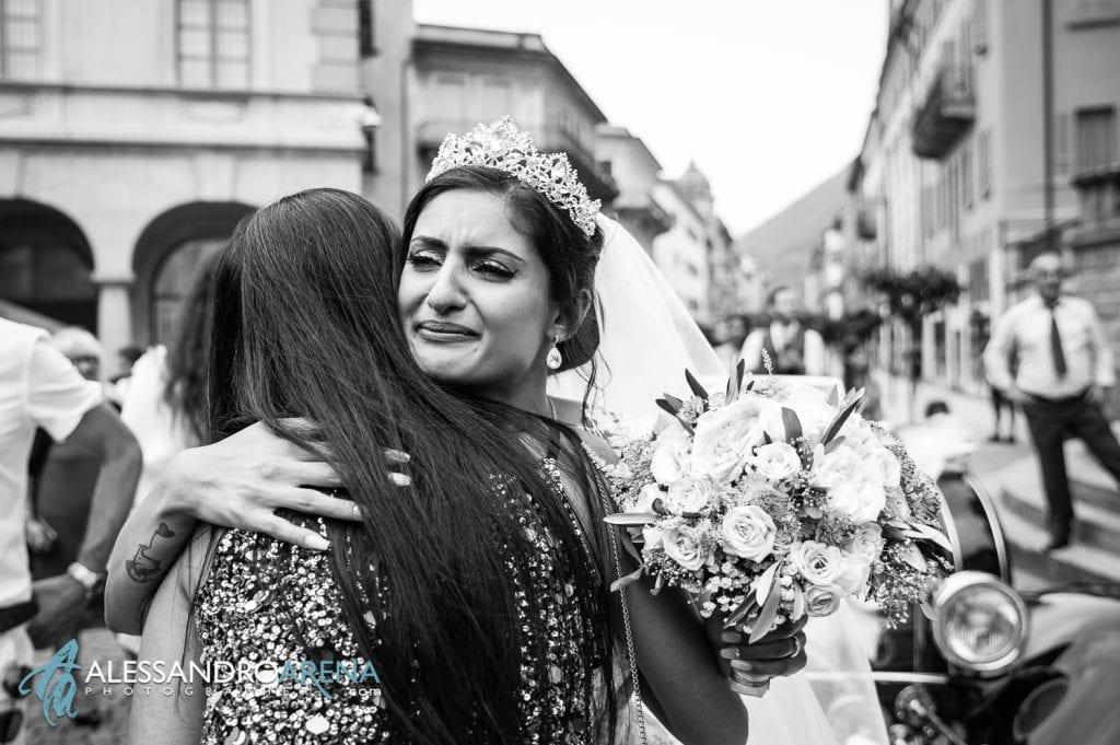 Auguri ed emozione per la sposa
