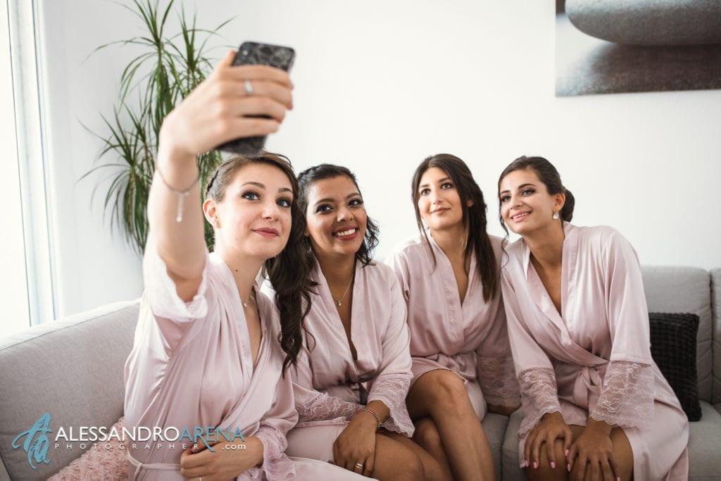 Preparativi sposa bridesmade selfie