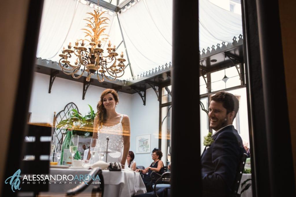 La sposa con gli invitati - ristorante Granfè Al Porto Lugano