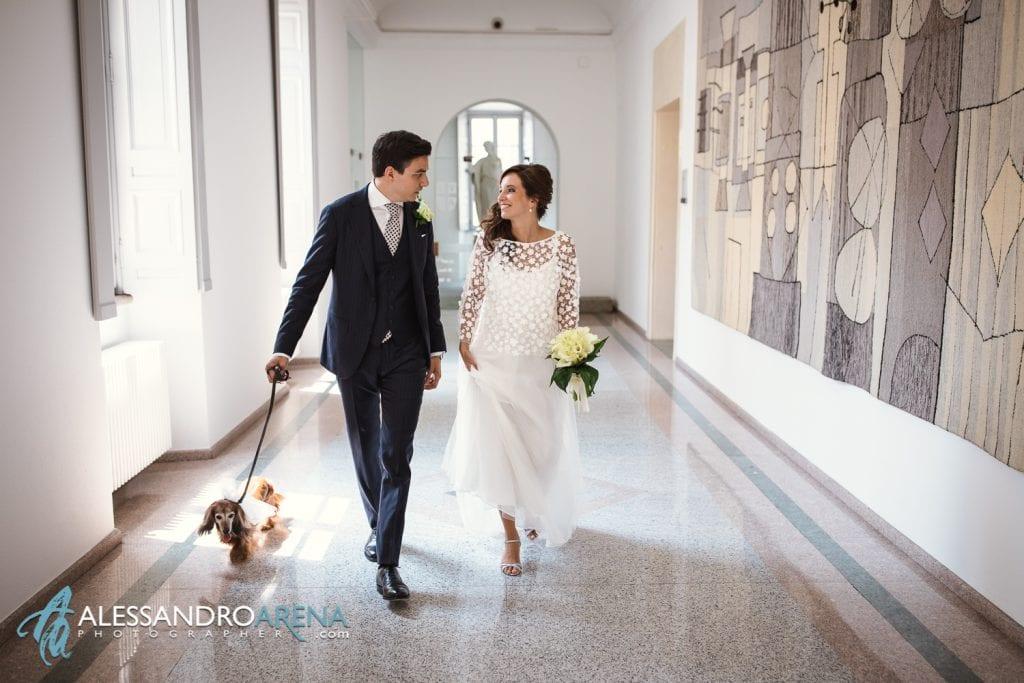 Matrimonio rito civile al municipio di Lugano - Gli sposi si accingono ad entrare in sala
