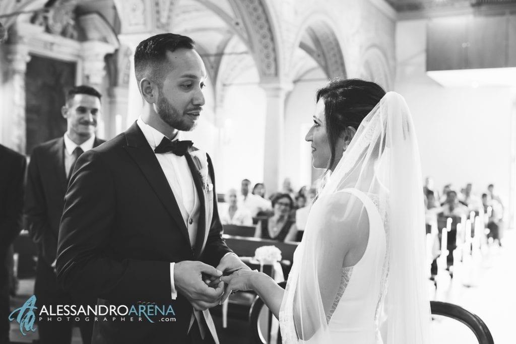 Scambio degli anelli -Matrimonio a Lugano Chiesa Pazzalino Pregassona - Canton Ticino