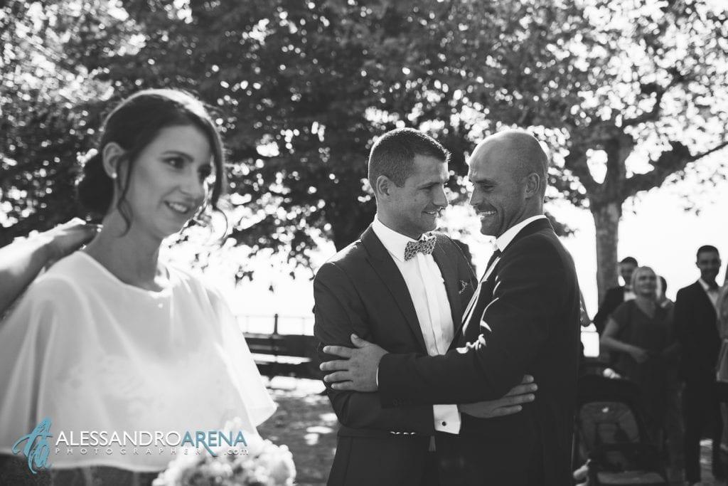 Auguri per gli sposi - Chiesa San Martino di Albisano - fotografo matrimonio Verona