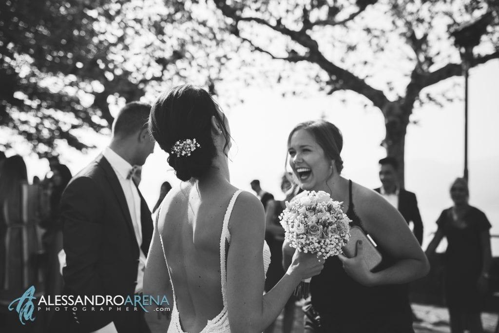 Auguri per gli sposi - Destination Wedding Lago di Garda - Chiesa San Martino di Albisano - fotografo matrimonio Verona