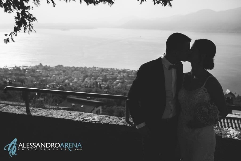 Sposi - Destination Wedding Lago di Garda - Chiesa San Martino di Albisano - fotografo matrimonio Verona