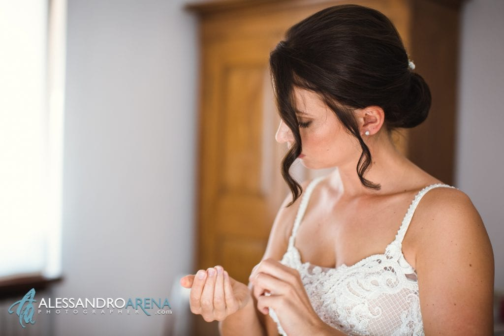 Foto preparativi sposa - Lago di Garda - fotografo matrimonio verona