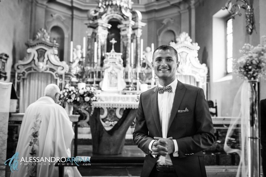 Lo sposo vede la sposa - Matrimonio Chiesa San Martino di Albisano - Lago di Garda - fotografo provincia di verona