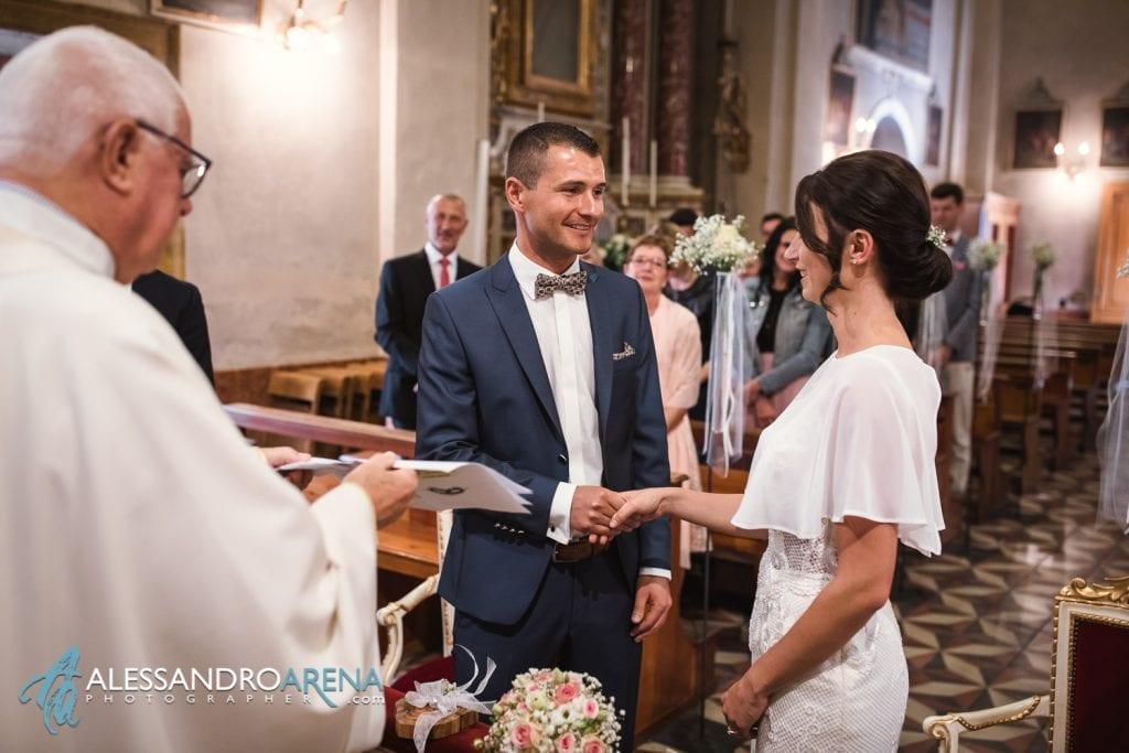 Lo scambio delle promesse - Matrimonio Chiesa San Martino di Albisano - Lago di Garda - fotografo provincia di verona
