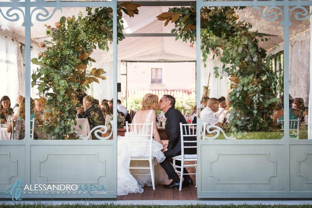 Gli sposi in sala al Mulino dell'olio - Pirola Catering Varese